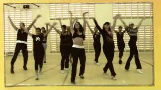 getlinkyoutube.com-ZUMBA - Rabiosa - by Arubazumba Fitness.m4v