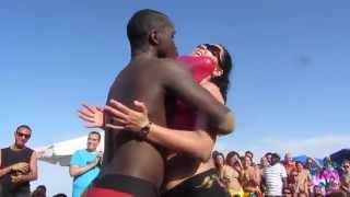 getlinkyoutube.com-CRIOLA BEACH FESTIVAL 2014: HOT HOT... Miss Criola Contest ,3rd test... with balloons!!