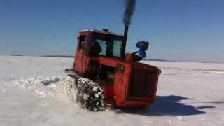 getlinkyoutube.com-ДТ-175С и ДТ-175М зимой в поле 15.03.14. «Волгарь» DT-175S and DT-175M winter in the field 15.03.14.