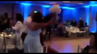 getlinkyoutube.com-عريس متحمس زيادة يوم عرسه .. راحت فيها العروس ...