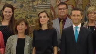 S.M. la Reina recibe en el Palacio de la Zarzuela a la Asociación de Afectados por Cáncer de Ovario