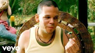 Calle 13 - Un Beso Un Desayuno