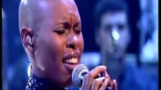 "getlinkyoutube.com-Jools' Millennium Hootenanny (1999): ""You'll Follow Me Down"" - Skunk Anansie"