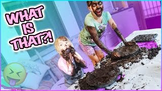😱  WHAT'S ON THEIR FACE?! MUD PIE CHALLENGE!! 😱 DIY GIANT MESS!!!