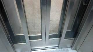 getlinkyoutube.com-Hütter hydraulic glass elevator at Dammtor railway station in Hamburg