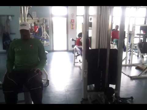 Atletas realizam atividade na Academia Barra Solo