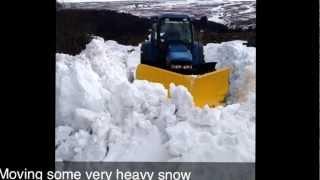 getlinkyoutube.com-Tractor v plow in deep snow