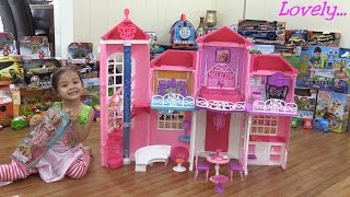 getlinkyoutube.com-Toys for Little Girls: Barbie MALIBU House Unboxing, Assembling and Playtime w/ Maya
