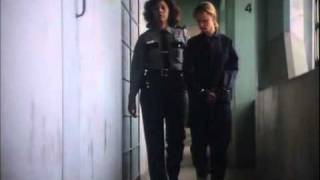 getlinkyoutube.com-Girl in arrest