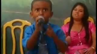 getlinkyoutube.com-Impressionante Deus tomou e usou uma criança na igreja.