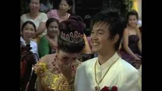 getlinkyoutube.com-Kaoy and Kat Jomreun Comedy (Hair cut ceremony) Part2