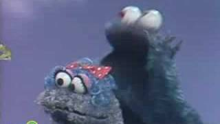 getlinkyoutube.com-Sesame Street: Ernie With Cookie Monster's Baby Cousin