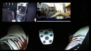 交差点で止まるか止まらないか状態のMTアクセルクラッチ操作 3画面