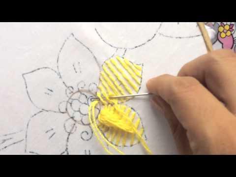 40.- Bordado fantasía para pétalo de flor