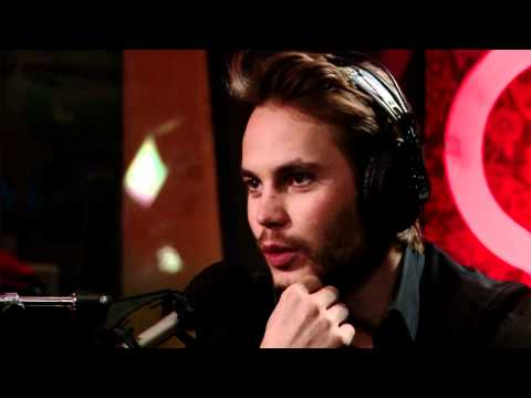Canuck heartthrob Taylor Kitsch in Studio Q