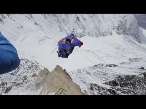 Mount Everest base jump: Russian daredevil Valery Rozov sets new world record
