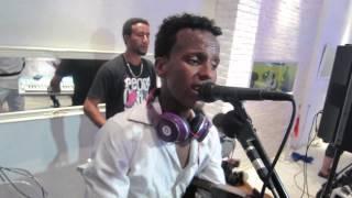 getlinkyoutube.com-Kobra and Zerom Tuamai - Eritrean Wedding Performance - Wait and See