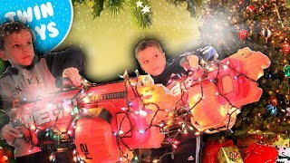getlinkyoutube.com-Nerf War:  Christmas Warfare