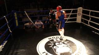 getlinkyoutube.com-Agnese Boza vs Kestutis Tervidas Boxing woman vs man