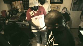 Freddie Gibbs & Statik Selektah - Keep it Warm For Ya (Feat Smoke Dza & Chace Infinite)