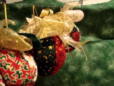 Bolas de Natal com Patchwork embutido por Eugênia Bolzan