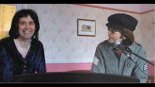 getlinkyoutube.com-John Lennon and Freddie Mercury sing IMAGINE 1971