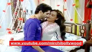 getlinkyoutube.com-Qubool Hai: Jannat tries to seduce Shaad on their honeymoon