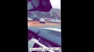 getlinkyoutube.com-فايز المالكي عطى خويه الشماغ وذل ام ام أمه ههههههه