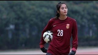 getlinkyoutube.com-Beautiful Chinese Soccer Goalie is a Keeper
