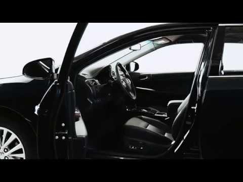 Toyota Camry - сиденье с электрорегулировками.