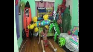 getlinkyoutube.com-Girl destroy beachball
