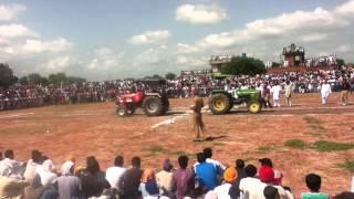 getlinkyoutube.com-john deere 5310 vs arjun 605 DAROLI BHAI MOGA part 1