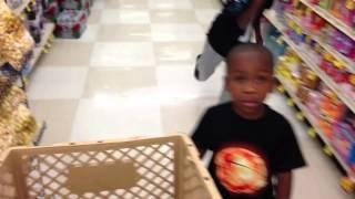 getlinkyoutube.com-How Black Parents Grocery Shop