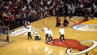 getlinkyoutube.com-Jabbawockeez Extended Dance