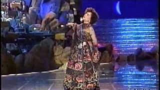 getlinkyoutube.com-Mia Martini - La nevicata del '56 - Sanremo 1990.m4v