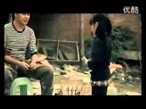:::感人的影片:::小女孩把自己賣了,治媽媽的病 - YouTube