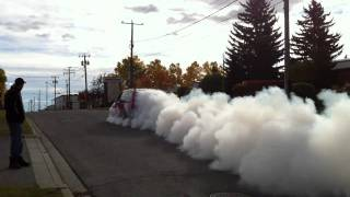 getlinkyoutube.com-Turbo Dodge caravan @35psi burnout - jet like sound!
