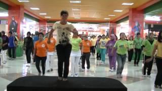getlinkyoutube.com-Ketipak ketipung line dance...ildi...tamcity..00005