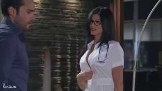 getlinkyoutube.com-Sexy Nurse Corazon Valiente Enfermera Hot