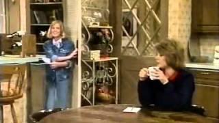 "getlinkyoutube.com-Evie carried by mom ""Out Of This World"" - S01E10  Babytalk"