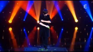 getlinkyoutube.com-The world winning magician , Mike Chao on Le grand Cabaret
