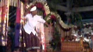 getlinkyoutube.com-joget duo liku (antre)
