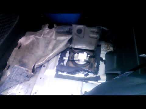 Самый простой способ добраться до бензонасоса не снимая топливный бак Тойота Рав4 Toyota Rav 4