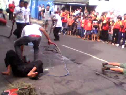KUDA LUMPING IN CAP GO MEH PARTY IN SUKABUMI CITY,23-2-2011