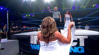 getlinkyoutube.com-The Knockouts Evening Gown Match Madison Rayne vs. Angelina Love