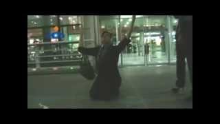 getlinkyoutube.com-فیلم  لحظه بازگشت شهرزاد میرقلیخان به ایران