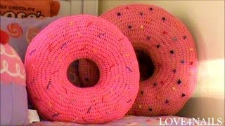 getlinkyoutube.com-How To Crochet A Yummy Large Donut Pillow ~ Tutorial