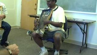 getlinkyoutube.com-Washboard Chaz teaches washboard technique