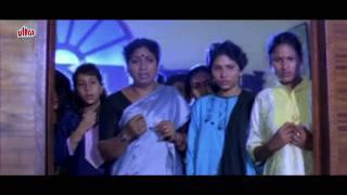 getlinkyoutube.com-Hot Khushboo saved from snake   Annamalai   Tamil Movie - Part 8
