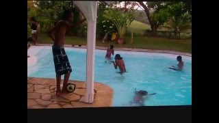 getlinkyoutube.com-Piscine Party